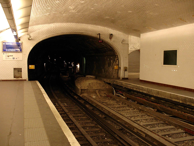 Paris vaut bien un blog page 2 ajoutez deux lettres paris c 39 est le paradis jules renard - Station service porte de pantin ...